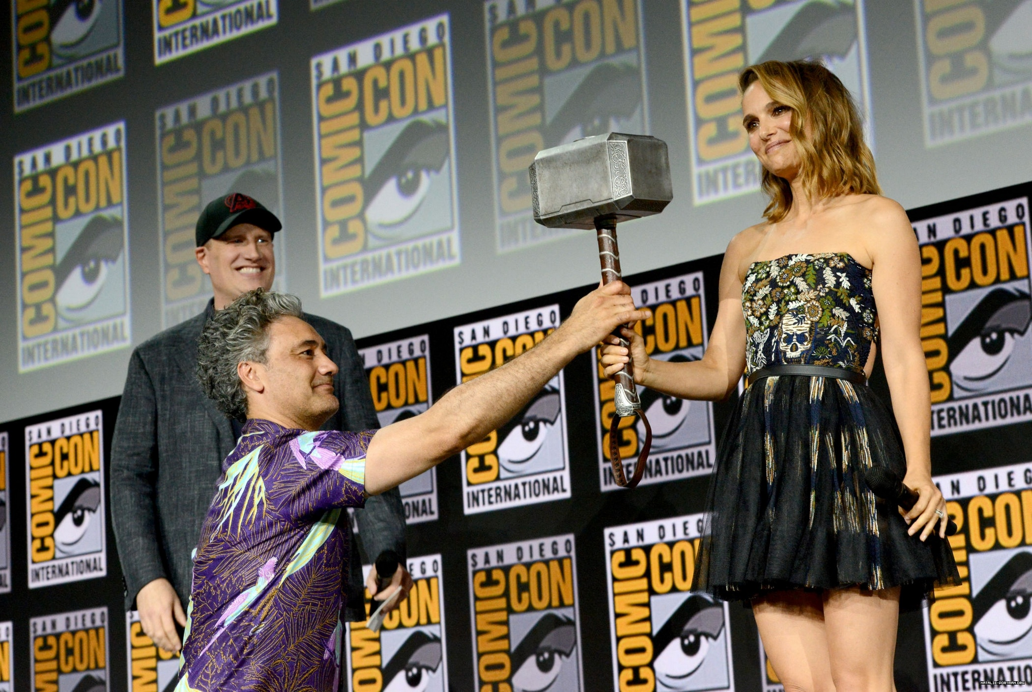 Press: Taika Waititi Personally Convinced Natalie Portman To Return For Thor: Love And Thunder